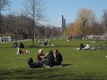 Grüne Freiräume in heterogenen Quartieren sowie Chancen ihrer kooperativen Entwicklung:  Wie sind diese Debatten bislang verknüpft und welche offenen Fragen gibt es?